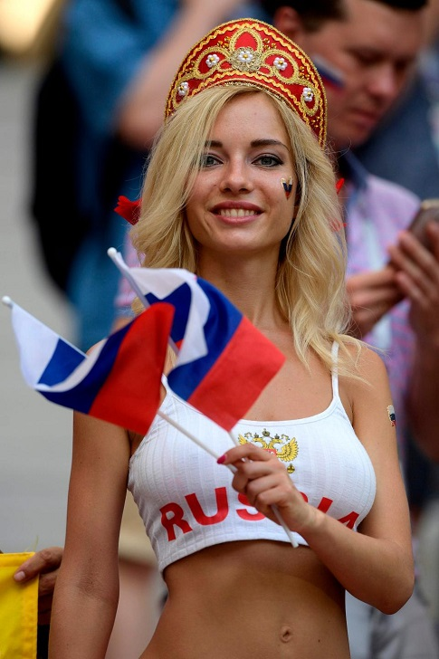 Natalya Nemchinova, Russian Hottest Fan And Ex-Porn Star, Predicted That Russia Would -9627