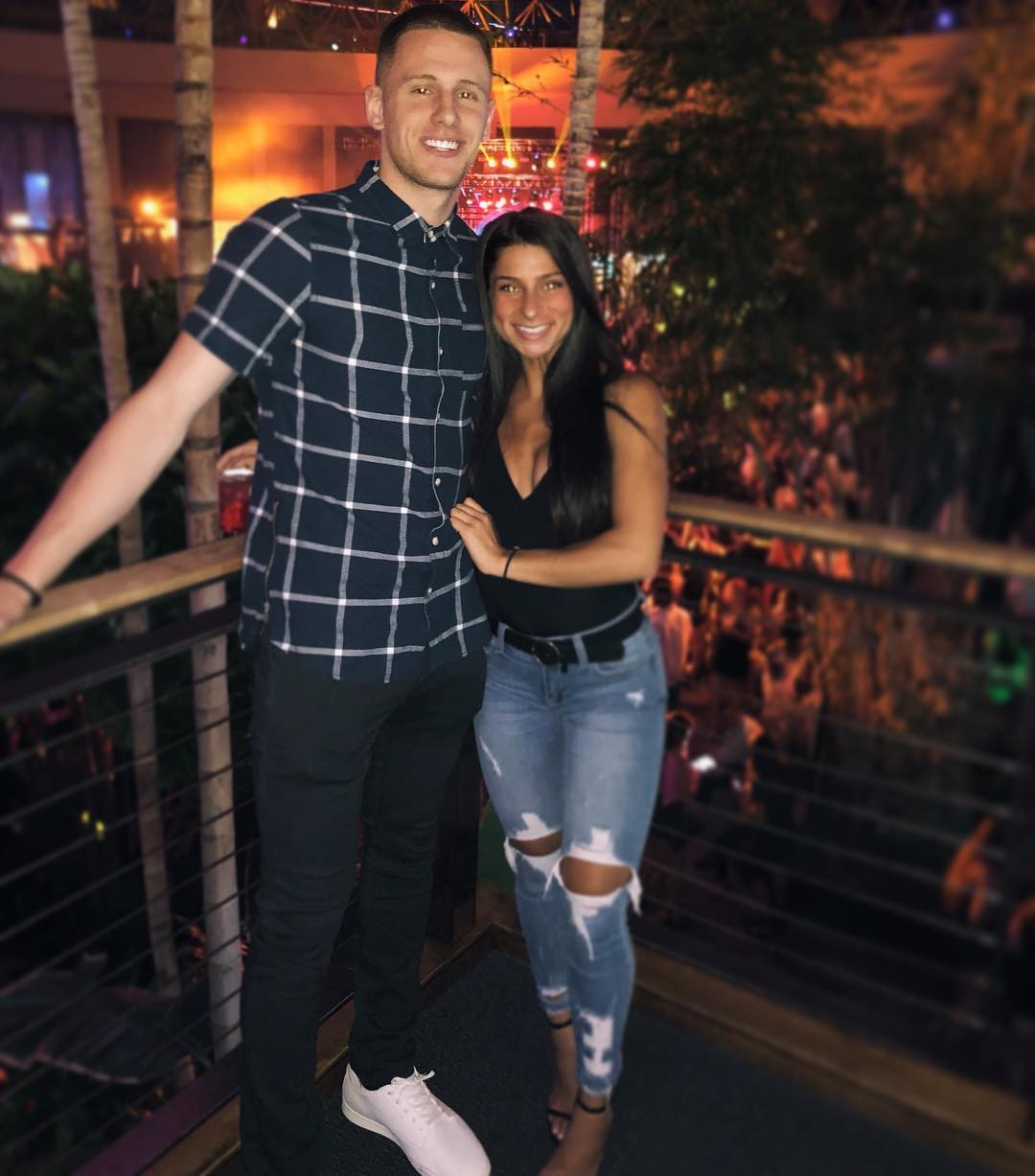 Donte DiVincenzo is in a relationship with Temple ...