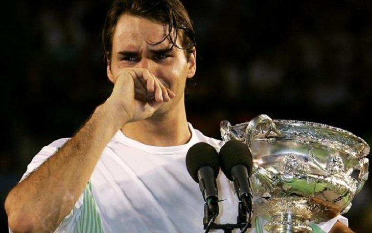 Diego Maradona sends Heartwarming message to Roger Federer; The Former Tennis No. 1 breaks down in Tears