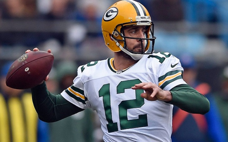 What's Aaron Rodgers Networth in 2018 After The Packers Star Penned The Largest Contract In The NFL history