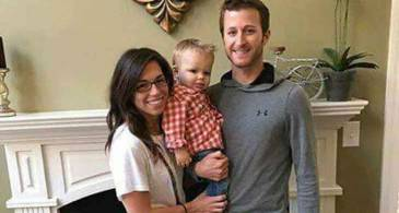 38 Years Car Racer Kasey Kahne has a Son with his Girlfriend Samantha Sheets. Details here
