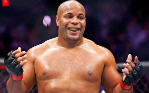 39 Years American Mixed Martial Artist Daniel Cormier's Earning From his Profession and Net Worth He Has Achieved