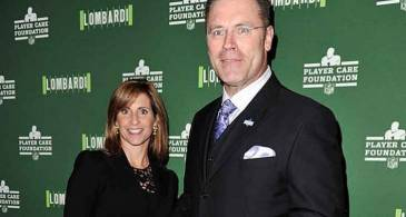 58 Years Sports Personality Howie Long's Longtime Married Relationship with Wife Diane Addonizio; Their Family Life and Children