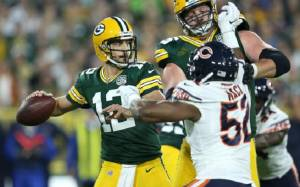 Aaron Rodgers makes Heroic Comeback despite Injury; Leads Packers to Victory