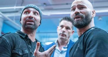 Artem Lobov defeats Paulie Malignaggi in a Bare Knuckle Match; Fight Fans React to the GOAT's Victory