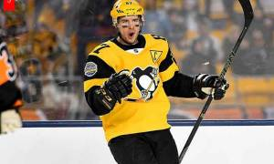 Canadian Ice Hockey Player Sidney Crosby Earns Huge Salary and Net Worth; Know hos is His House