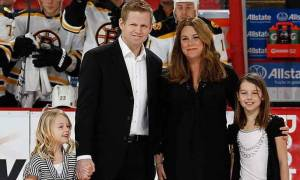 Chris Osgood is Living Happily with his Wife Jenna Osgood and Children. Know about their Married life and Relationship