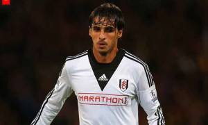 Costa Rican footballer Bryan Ruiz's Net Worth; Know about his Family and Married Life
