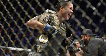 Defying all Odds, Amanda Nunes Ends Cyborg's 20 win streak, Takes Home Two Belts,  Enters the All time Great Conversation