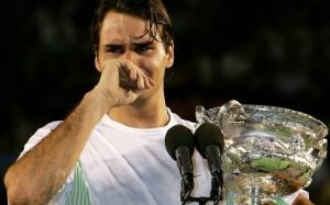 Diego Maradona sends Heartwarming message to Roger Federer; The Former Tennis No. 1 breaks down in Tears
