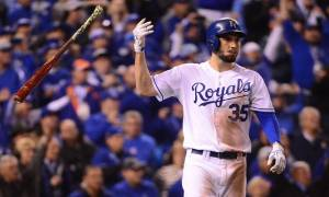Eric Hosmer Agrees to a 8-year, $144 million deal with San Diego Padres