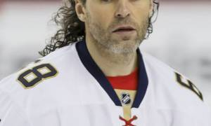 Jaromír Jagr's Salary and Earnings; How much is he Worth in 2019? Is he Married? All the details about his Personal and Professional life