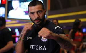 Know Argentine Professional Boxer Lucas Matthysse's Net Worth & Find Detail On His Luxurious Life