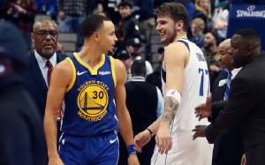 Stephen Curry reacts to Luka Doncic wearing Curry 7s Sneaker